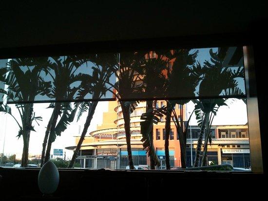 AC Hotel Sevilla Forum: Il en impose, de l'extérieur comme de l'intérieur !