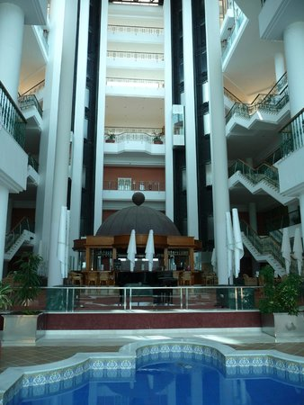 SBH Costa Calma Palace: Lobby mit Glaslift