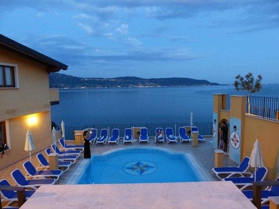 Piccolo Paradiso: Vue sur une des piscines