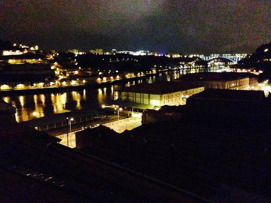 BN Apartments Rio: view at night
