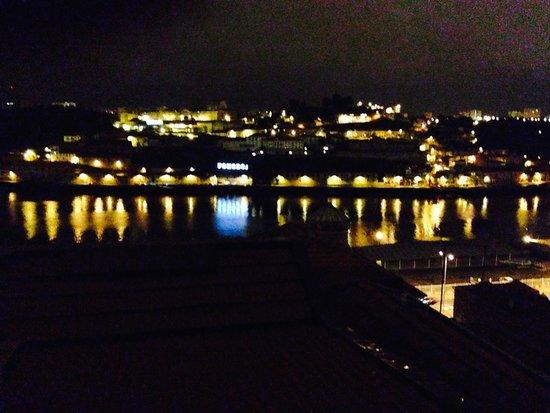 bnapartments Rio: view at night