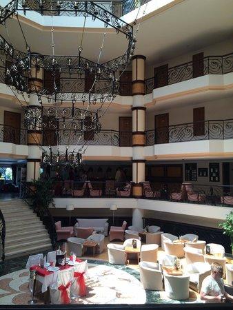 Max Holiday Hotels Side Stone Palace: Lobby bar