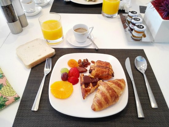 W Barcelona: Wave restaurant breakfast