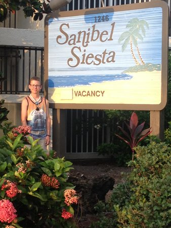 Sanibel Siesta on the Beach : Jack  LOVES this place!