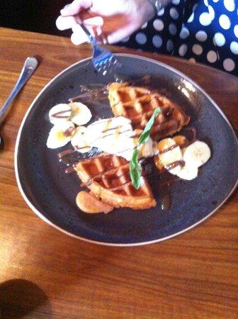 Hickory's Smokehouse: Banoffee Waffles