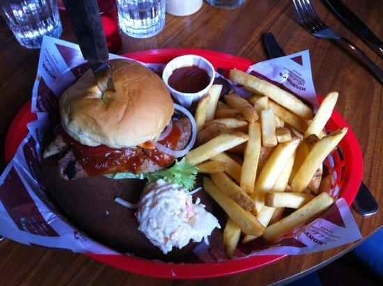 Hickory's Smokehouse: BBQ Brisket Sandwich