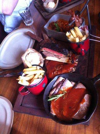 Hickory's Smokehouse: Sharing platter