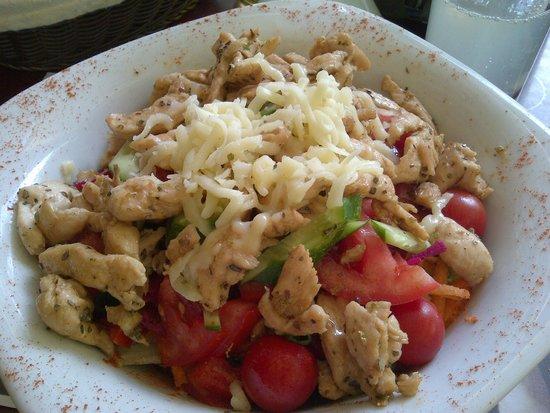Aylak Madam: tavuklu salata