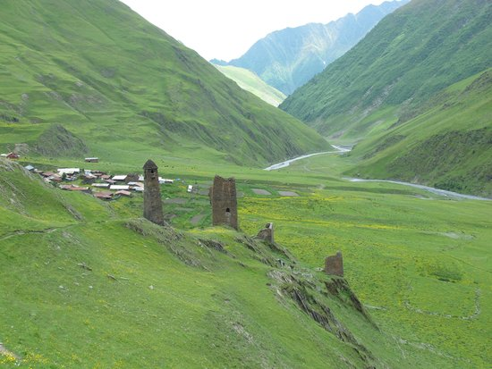 Omalo, Geórgia: towers in tusheti abive chesho