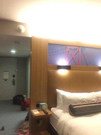 Aloft San Francisco Airport: Room