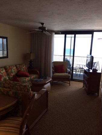 Hilton Grand Vacations Seawatch On The Beach Resort : 1 bedroom living room with a view.