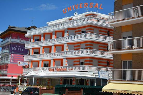 Hotel Universal : Hotel von der  Frontseite