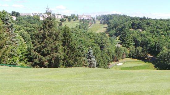 Olde Beau Resort and Golf Club : #18 tee looking towards club house