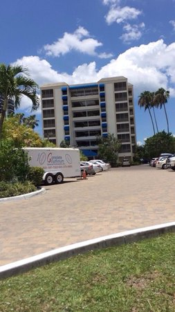 Hilton Grand Vacations Seawatch On The Beach Resort Entrance