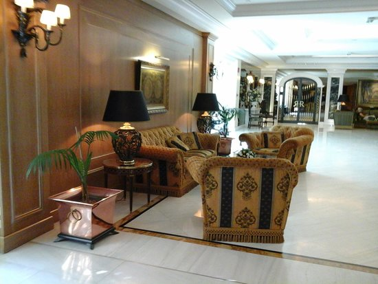Royal Olympic Hotel: Lobby