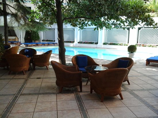 Royal Olympic Hotel: Piscina