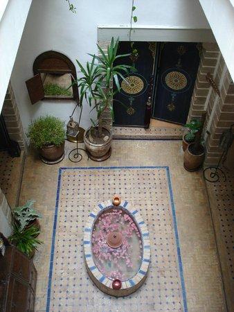 Riad Al Zahia: The lobby