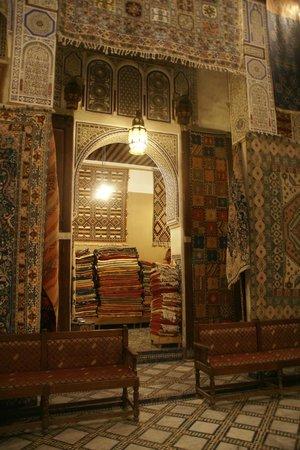 Medina of Fez: Carpet co-op