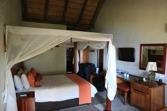 Cresta Mowana Safari Resort and Spa: Standardzimmer 200 ohne Balkon