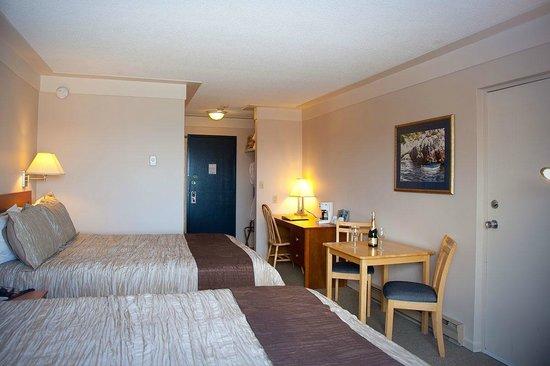 Sidney Waterfront Inn & Suites: Room