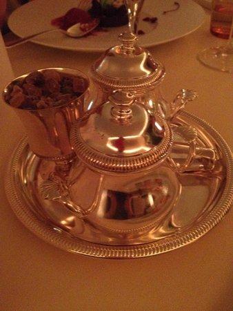 L'Auberge de l'Ill : Tea accessories
