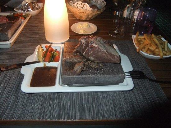 Meeru Island Resort & Spa : steak at the Hot Rock