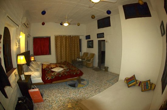 Shahi Guest House: Room