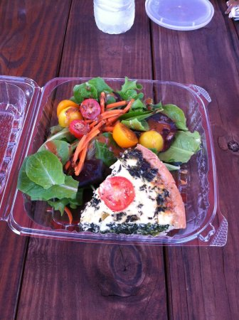 Farm to Fork Eatery : Farmers's Market quiche