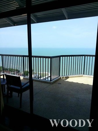 Novotel Hua Hin Cha Am Beach Resort and Spa: Balcony