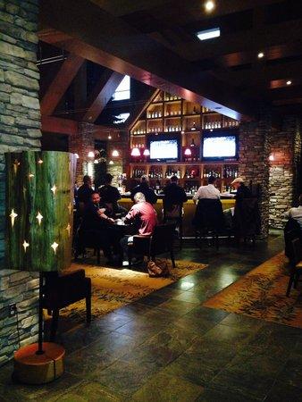 Creations - Sawridge Inn: Bar