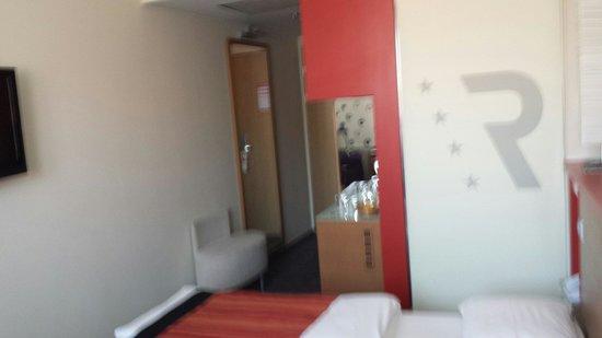 Royal Park Boutique Hotel: Room