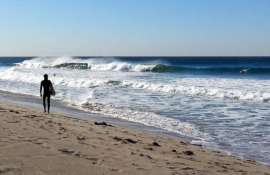 Zuma Beach: an offshore, good-sized day in the fall