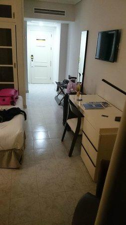 H10 Las Palmeras: part view of the room