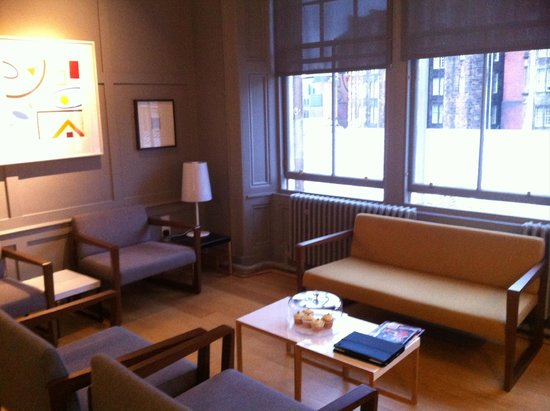 Grasshoppers Hotel Glasgow: Sitting room for guests
