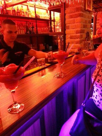 Mandarin Bar and Diner: Great cocktails
