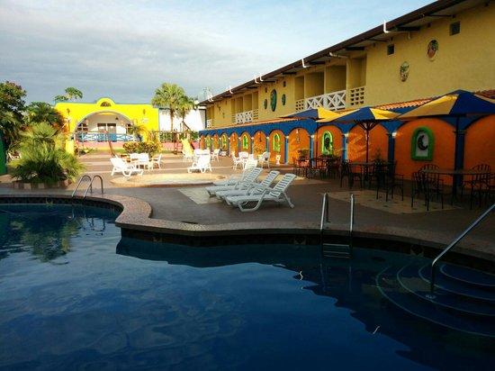 La Hacienda: Poolside