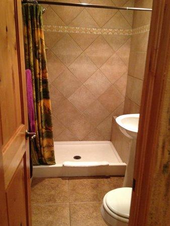 StoneBrook Resort: Bathroom