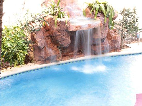 Hotel & Suites Mar Y Sol Las Palmas: waterfall