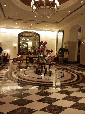 ITC Grand Central : Always a beautiful arrangement to welcome guests as they enter the hotel.