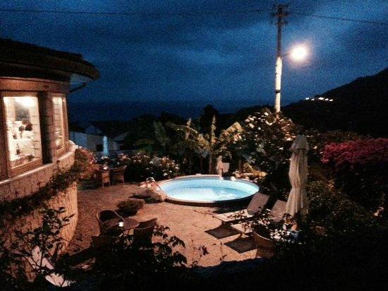 Hotel Gallo Nero : Hotel at Night