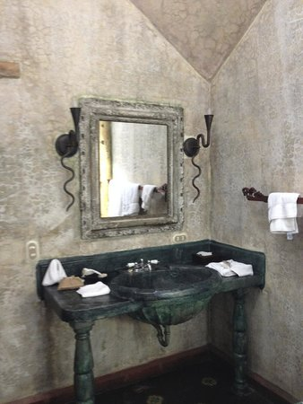 Meson Panza Verde : Amazing bathroom