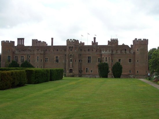 Gardens & Grounds of Herstmonceux Castle : The Castle