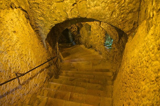 El Tajo de Ronda: stairways down
