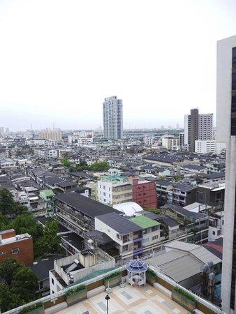 Evergreen Place Bangkok: Vue de la chambre