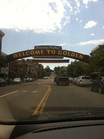 Bob's Atomic Burgers: Welocme to Golden Colorado!