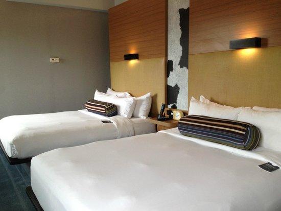 aloft Minneapolis: Queen beds