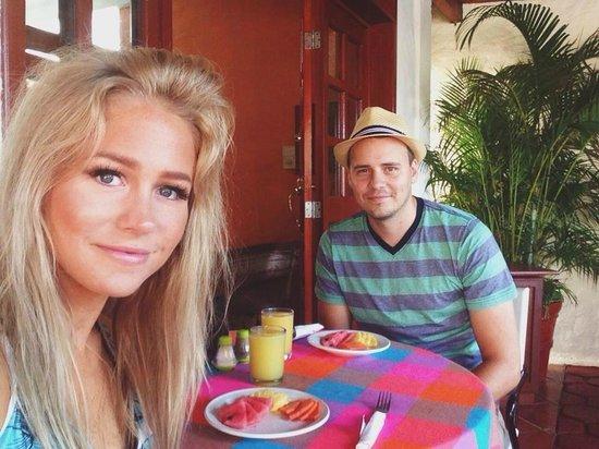Hotel el Moro : Enjoying the included breakfast