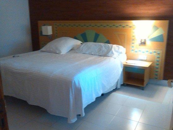 Occidental Lanzarote Mar: bedrooms