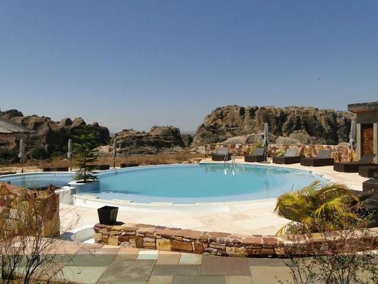 Isalo Rock Lodge : piscina