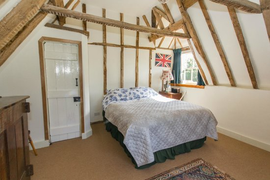 Great Broxhall Farm Bed and Breakfast: The oak bedroom